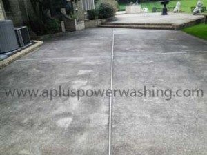 power washed concrete side-walk (before clean)
